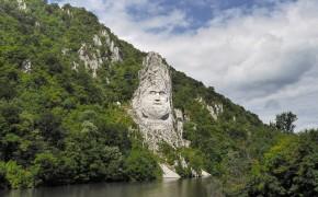 Statuia lui Decebal pe Dunăre